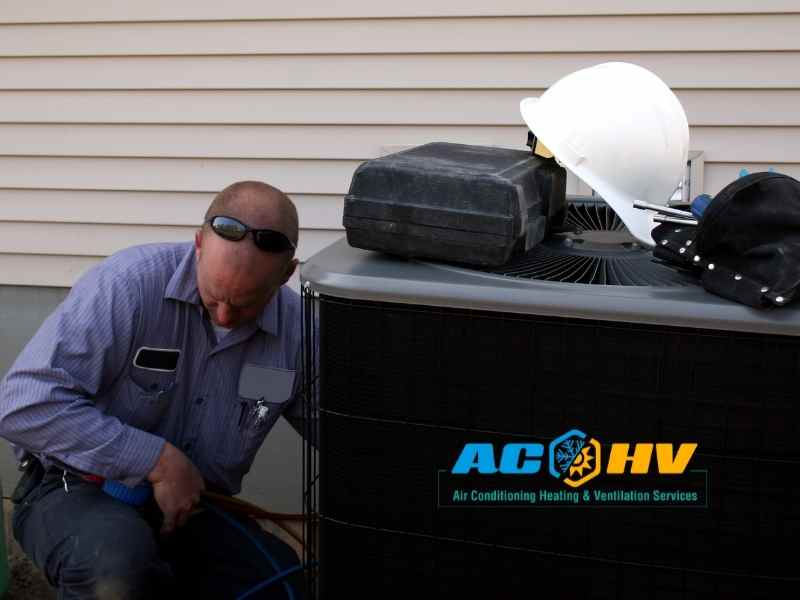 https://www.achvservices.com/wp-content/uploads/2021/08/How-to-know-if-the-amount-of-refrigerant-is-low-in-my-AC.jpg